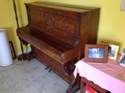 Piano upright - H. Lubitz  Berlin. Second hand ideal for children.